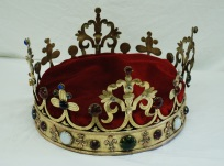 Corona pulida y restaurada